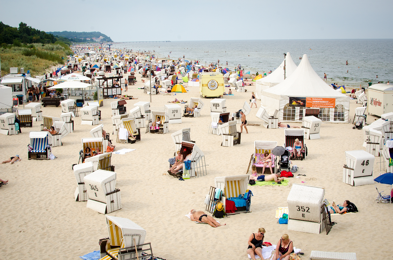 Gängiger Anblick auf Usedom: Viele Touristen, volle Strände - so auch hier in Heringsdorf.