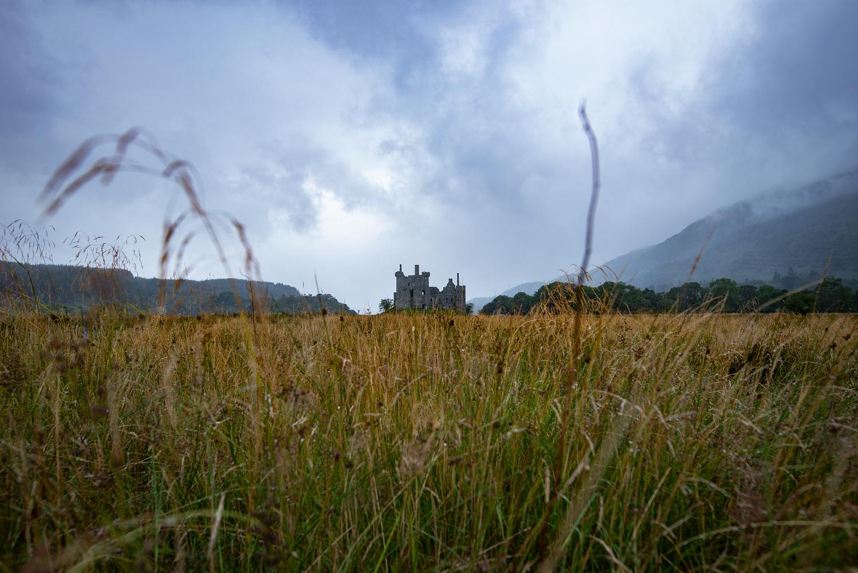 Schon auf dem Weg hat man einen guten Blick auf Kilchurn Castle.