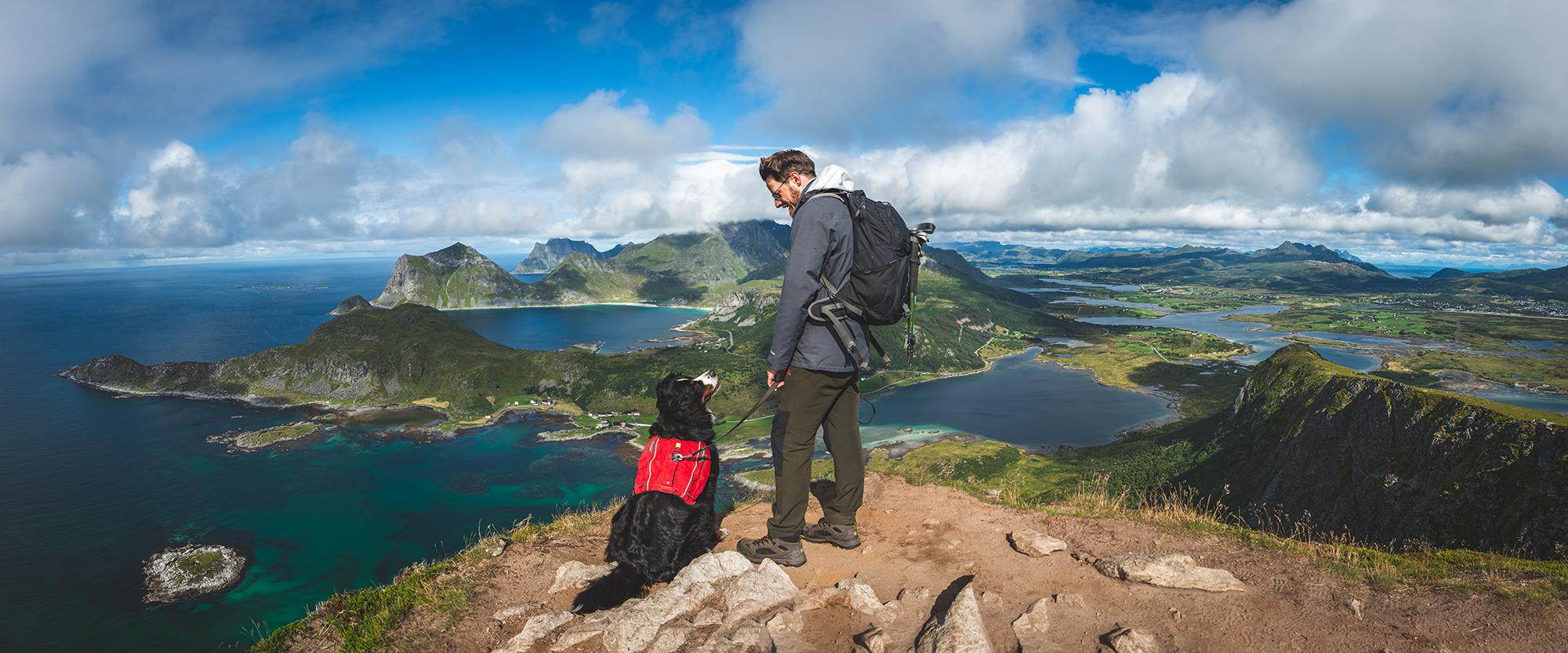 Jan und Ceeley auf dem Gipfel des Offersøykammen